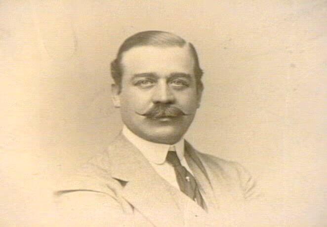 1905 Emile Pfizer